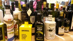Selection of Spanish extra virgin olive oil