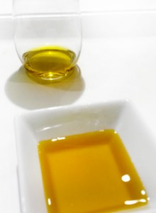 Olive oil, the perfect makeup remover